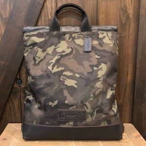 NWT Authentic Coach Camo Drawstring Backpack